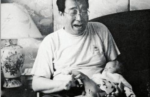 李雙江因兒子涉輪奸案已經氣病 被送醫院治療圖片