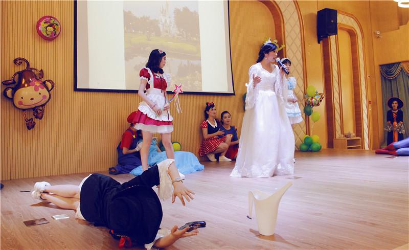 台州南洋幼儿园开园 迎首批宝宝众卡通人物齐登场
