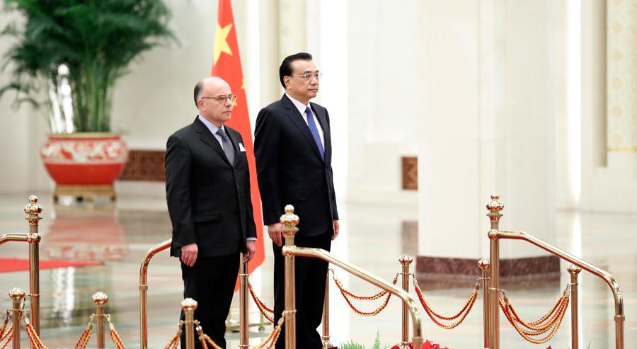 李克强同法国总理卡泽纳夫举行会谈
