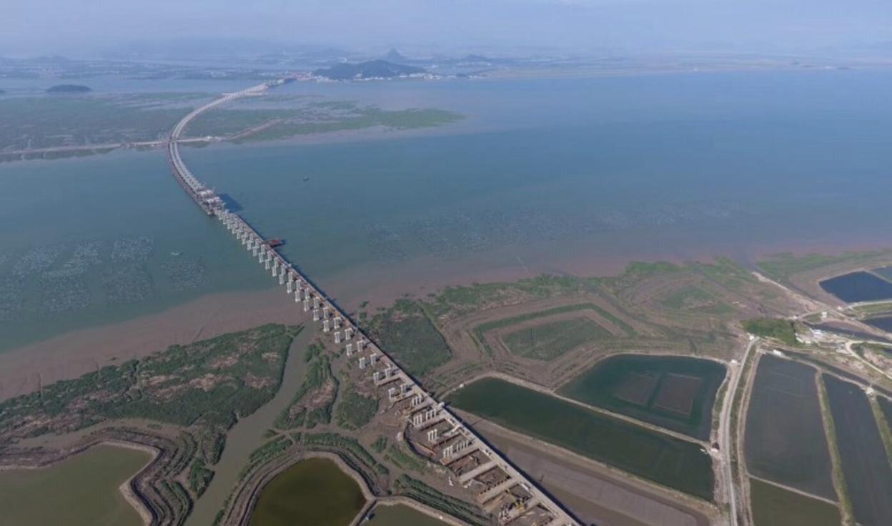 """三门湾大桥贯通——台州与宁波跨海""""握手"""""""
